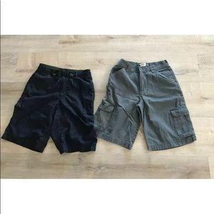 2 pairs Gap boys Youth shorts Size 14/16 Blue grey